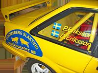Bildekor på gul rallybil